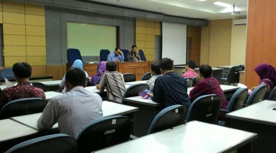Pembukaan Diklat Laboran Bidang Kimia pada 10 Agustus 2015 oleh Direktur SDM UGM