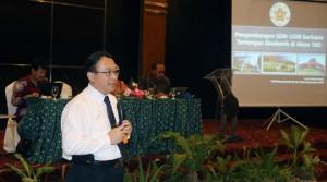Pemaparan materi oleh Wakil Rektor Akademik dan Kemahasiswaan UGM