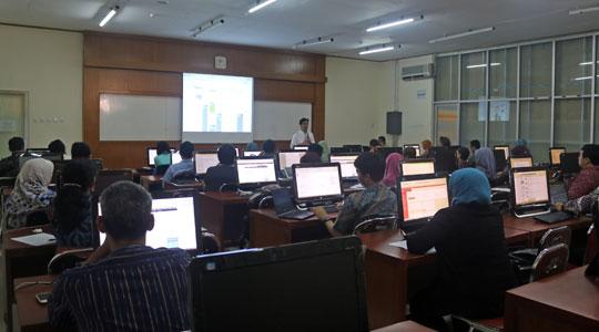 Pelatihan Pembuatan Blog untuk Dosen UGM