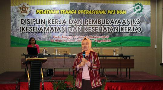 Rektor UGM membukaPelatihan Disiplin Kerja dan Pembudayaan K3