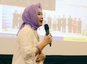 Rektor membuka kegiatan Academic Leaders Management Programme