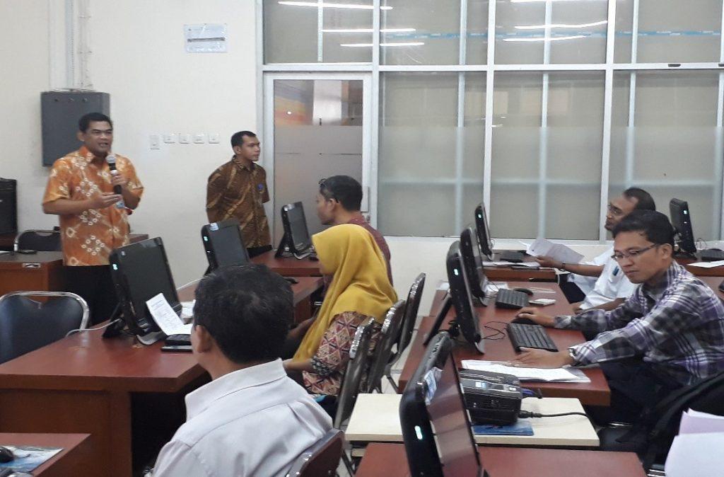 Direktur SDM dalam Acara Pembukaan Pelatihan Laboran Bidang Komputer Level 1 di DSSDI UGM