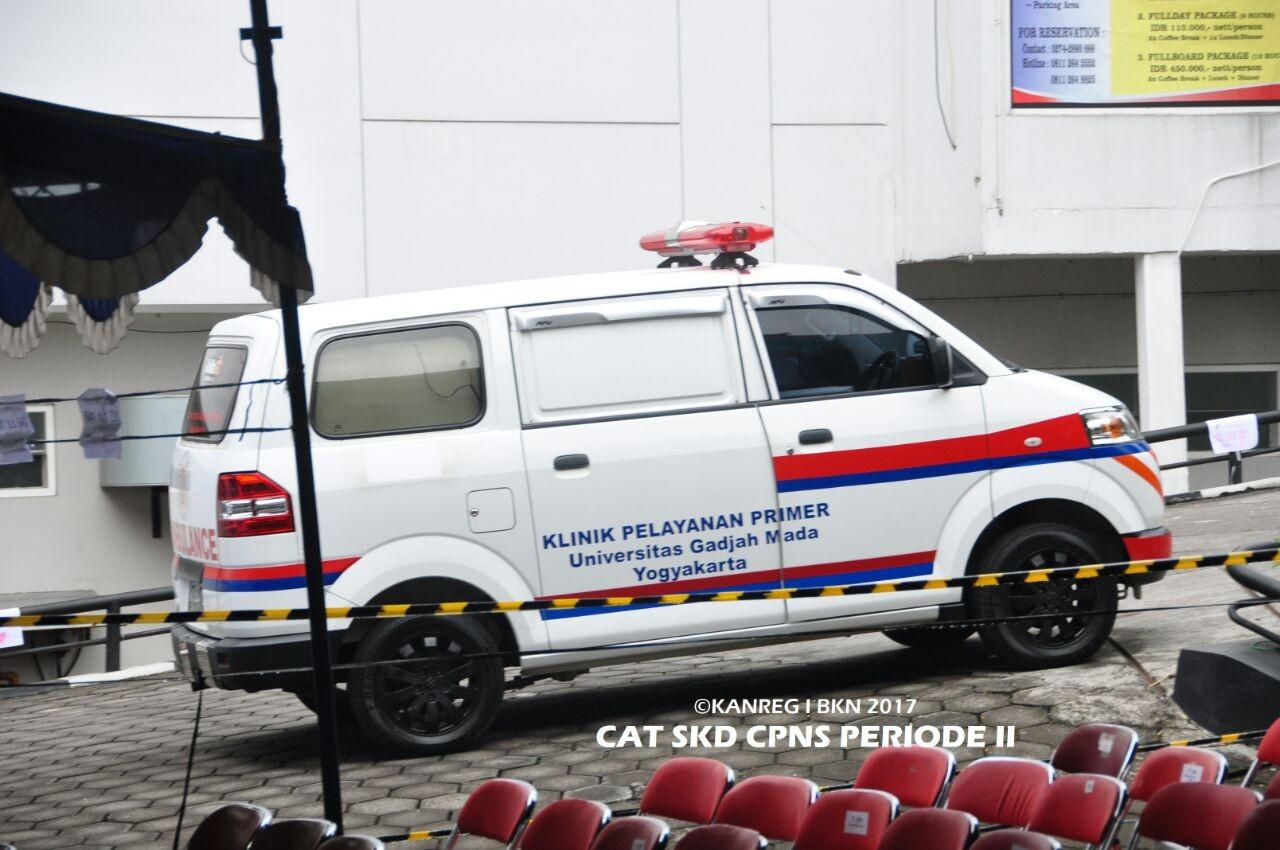 Mobil Ambulan UGM dipersiapkan dalam Kegiatan SKD CPNS Kemenristekdikti 2017