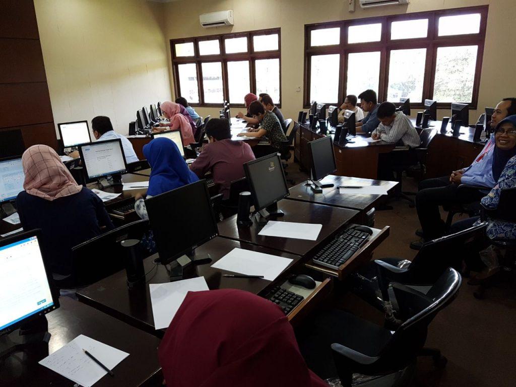 Tes Kemampuan Dasar Calon Dosen Tetap Non PNS UGM Tahun 2017 di Laboratorium Komputer Fakultas Hukum